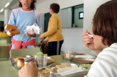 Poques verdures i amanides als menús escolars, segons un estudi fet a Vilanova