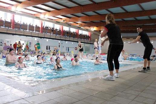 parc del garraf esportiu la piscina amb l 39 aigua al coll
