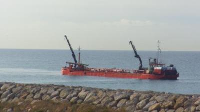 Generalitat de Catalunya. Ports millora el calat d'accés al port de Vilanova per donar més maniobrabilitat als vaixells grans