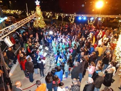 Canyelles dóna el tret de sortida oficial al Nadal amb l'encesa de llums. Ajuntament de Canyelles