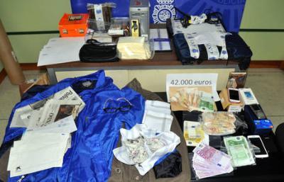 Cau una banda que va robar 80.000 euros amb l'estafa de l'estampeta. CNP