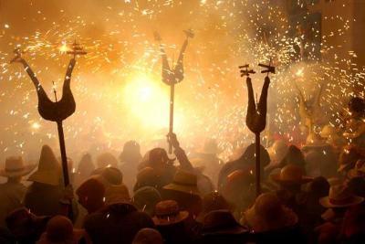 Correfoc, castells, diables i danses, protagonistes dels dies previs a la festa major de Vilanova
