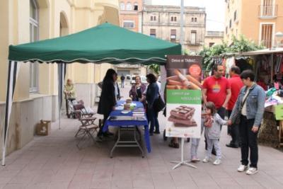 Ajt Sant Sadurní d'Anoia. Dijous 28 de maig, canvia cigarretes per xocolata al mercat de Sant Sadurní