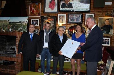 El calafellenc Giorgio, premiat com a millor restaurant per la Guia Gourmand. Ajuntament de Calafell