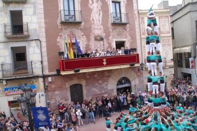 Castellers de Vilafranca. Els Verds descarreguen el 4 de 8 amb agulla més matiner de la colla