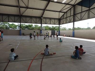 La nova pista del CEM Isaac Gálvez ja està oberta a la pràctica esportiva. Ajuntament de Vilanova