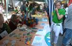 Les cooperatives escolars de Vilafranca venen els seus productes al mercat