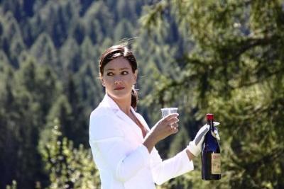 Vinodentro és una pel·lícula de ficció en què es narra el canvi de Giovanni Cutton quan tasta el vi. EIX
