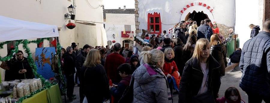 Canyelles dóna el tret de sortida oficial al Nadal amb una fira multitudinària