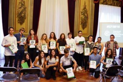 Alumnes de l'institut Mallafrè, guardonats al concurs Experiència Fotogràfica Internacional dels Monuments. Institut Mallafrè