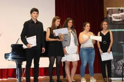 El jove Marcel Corbella, guanyador del 1r Concurs de violí de Barcelona. Ajuntament de Vilanova
