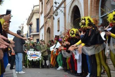 El llit 'Grease' guanya la Cursa de llits disfressats de Sitges. Ajuntament de Sitges