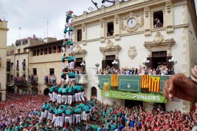 Els Castellers de Vilafranca volen fer història a la plaça de la Vila per Tots Sants. Castellers de Vilafranca
