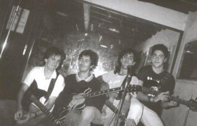 Imatge d'un assaig del grup Lax'n'Busto als anys 80. Vibra Comunicació