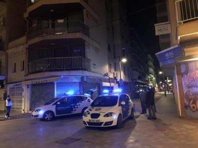 L'Ajuntament ha realitzat 42 inspeccions als locals de lleure nocturn del carrer Monturiol en el darrer any. Ajuntament de Calafell