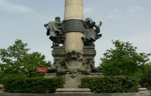 Monument a Manuel Milà i Fontanals de Vilafranca