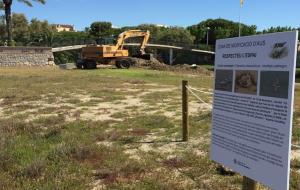 Unes excavadores fan moviments de terres al torrent de Sant Joan afectant l'hàbitat del corriol