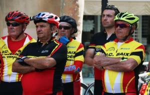 Ciclistes reclamen més seguretat a les carreteres des del Vendrell