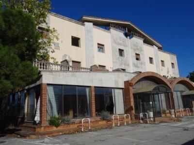 El futur de l'antic Hotel Penedès continua sent una incògnita quatre anys després del seu tancament. Ramon Filella