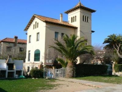 La Generalitat destinarà 14,5 milions d'euros als municipis que allotgen centres de menors estrangers