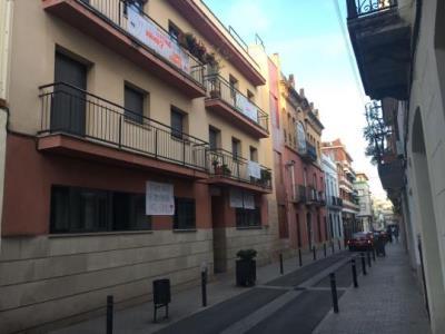 Els veïns del carrer Correu denuncien l'Ajuntament de Vilanova per seva la passivitat en el soroll. EIX
