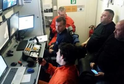 Imatge de les pantalles del 'Clara Campoamor' on es visualitzen les feines del ROV, el 23-3-17. ACN