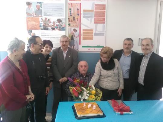 L 39 ajuntament de vilafranca ret homenatge a l 39 avi centenari for Morato vilafranca