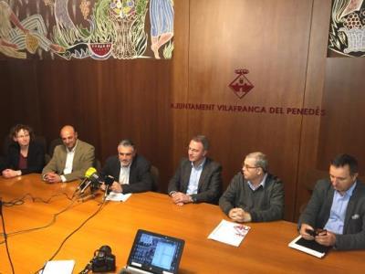 L'alcalde de Vilafranca, Pere Regull, lamenta el joc brut en l'afer de la bandera, provocant una confrontació que a Vilafranca no ha existit mai. Ajun