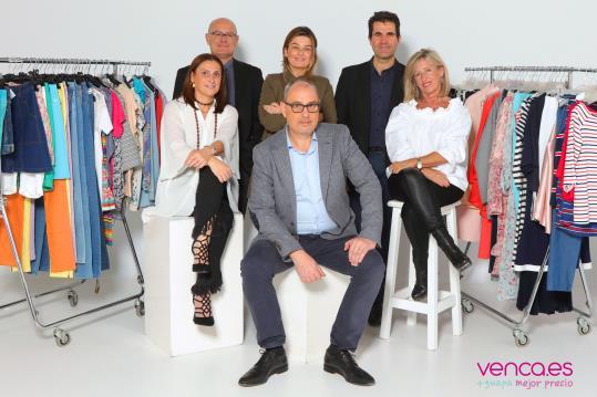 L'equip directiu de Venca compra l'empresa a la companyia francesa 3Suisses Internacional. Venca