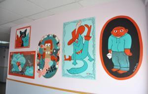 Les il·lustracions de la Fira Va de Contes, a la planta maternoinfantil de l'hospital de Sant Camil