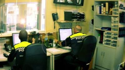 Quatre homes agredeixen sexualment una dona al carrer a Vilanova