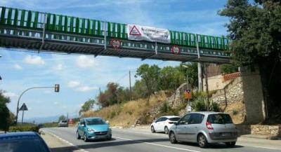Superen les mil signatures recollides per a demanar la rotonda de la N-340 a Subirats. Ramon Filella