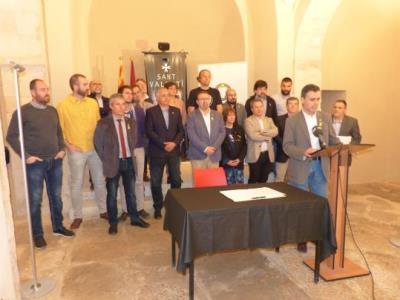 """22 dels 27 alcaldes de l'Alt Penedès, a favor del front unitari """"en defensa de la democràcia"""" proposat per Torrent. CC Alt Penedès"""