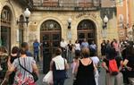Centenars de ciutadans del Penedès i Garraf mostren el seu record a les víctimes dels atemptats del 17-A