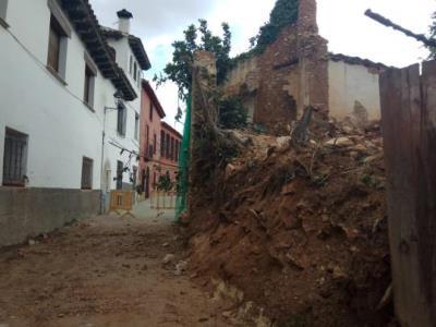 Esfondrada parcialment una masia antiga de la Vilanoveta sense causar ferits. Ajt Sant Pere de Ribes