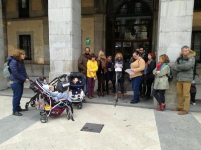 Espais familiars i l'Ajuntament de Vilanova es manifestes a favor dels drets del infants. Cristina Poyatos