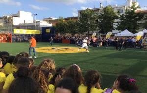 Fervor per Ronaldinho i Carles Puyol a Les Roquetes a la inauguració del Cruyff Court