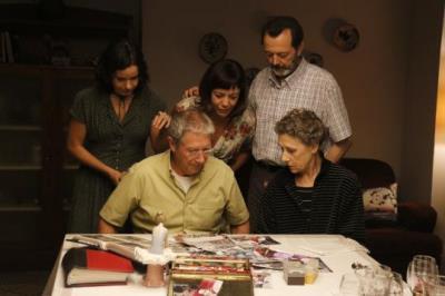 Joan Pera, Carme Sansa, Lluïsa Castell, Manuel Veiga i Georgina Latre, durant el rodatge de 'Vilafranca', el 19 d'octubre de 2017. ACN