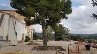 La nova plaça de l'ermita de Sant Pau es podrà estrenar per a la festa major. Ajt Sant Pere de Ribes