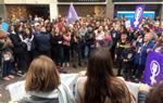 Més de dues mil persones es manifesten a Vilanova i la Geltrú per la defensa dels drets de les dones