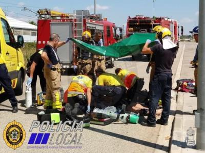 Mor un motorista en un accident de trànsit al Vendrell. Policia local del Vendrel