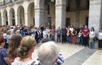 Multitudinària concentració silenciosa a Vilanova de rebuig per l'assassinat de la Laia