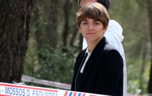 Pla curt de l'actriu Nausica Bonnín durant el rodatge de la minisèrie 'La fossa'
