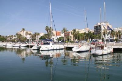 Torra ofereix el port de Vilanova per acollir l'Aquarius i