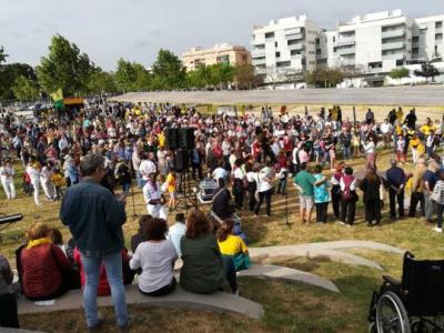Una festa reivindicativa inaugura la nova plaça de l'1 d'octubre a Vilanova i la Geltrú. Ajuntament de Vilanova
