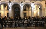 Centenars de persones es manifesten a Vilanova contra el judici de l'1-O