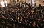 Centenars de persones es manifesten a Vilanova per denunciar el trasllat dels presos i exigir-ne la llibertat