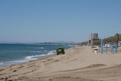 Costes dragarà el port de Segur per fer una aportació extra de sorra a les platges a la primavera. Ajuntament de Calafell