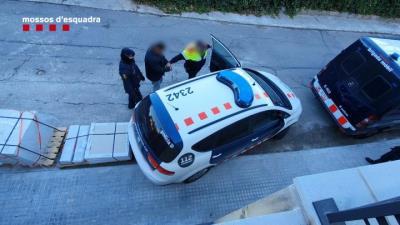 Desarticulen una organització criminal dedicada al robatori de mercaderies de camions a les àrees del Penedès i el Montseny. Mossos d'Esquadra