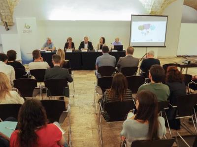 El Pacte per a l'Ocupació del Garraf presenta una finestreta única de l'oferta formativa i de pràctiques en empreses . CC Garraf
